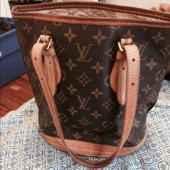 Knock-off Louis Bags